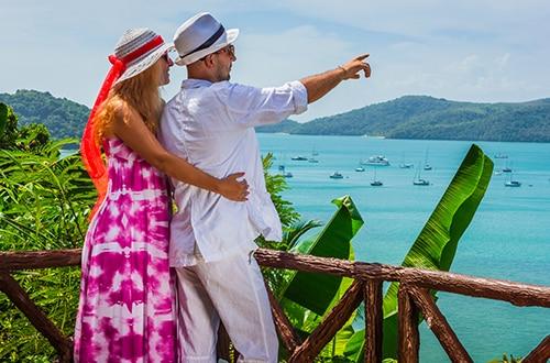 151875146_casal_paisagem_praia
